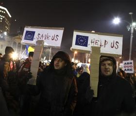 Фото: REUTERS/Stoyan Nenov Антиправительственная демонстрация, 3 февраля 2017 г., Бухарест