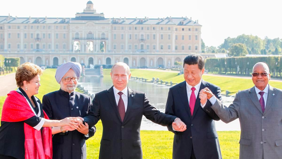 Оружие и геополитика: страны БРИКС готовятся к войне