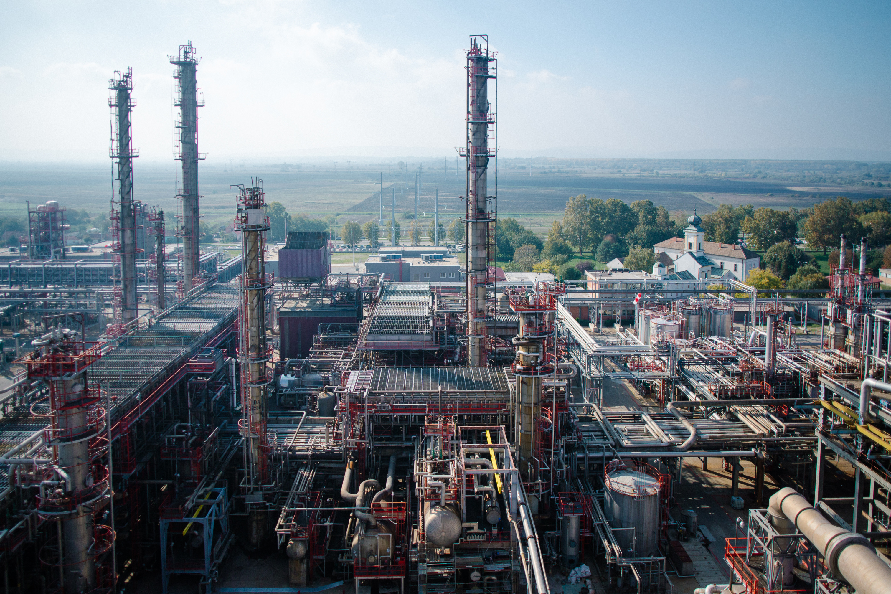 countrys largest refinery - HD 3024×2016